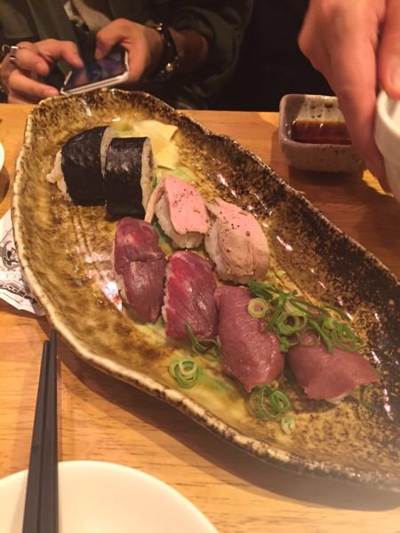 先日のセミナーの後は?加藤商店バル肉寿司食べてきました