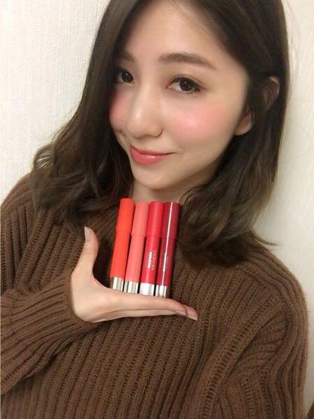 サロモの松尾瞳さんにオススメメイクアイテムを聞いてみた。