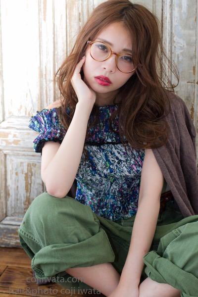 夏のパサついた髪の毛をツヤツヤに見せる方法