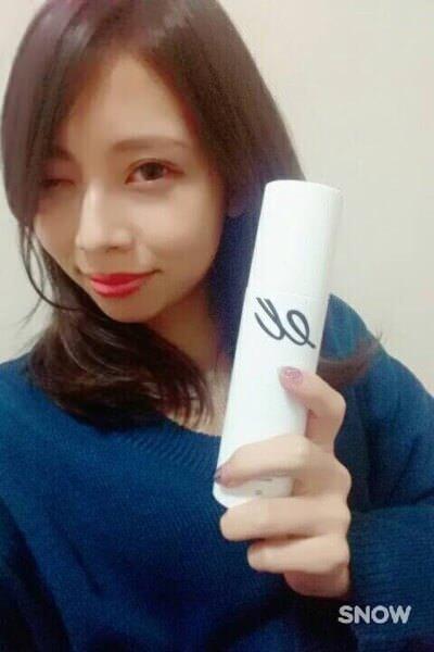 撮影中に小嶋里佳さんにエレクトロンの化粧水とビタシグを購入してもらったらその後嬉しい報告が!?