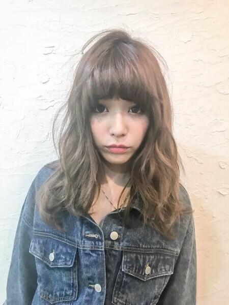 微妙な癖とダメージで広がるハラダアヤさんの髪の毛にストキュアとオートクチュールケアトリートメントをしてみた。