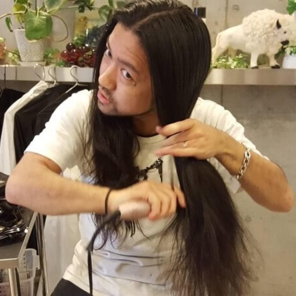 ロン毛美容師は「ブラスティー」しかない