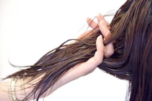 【梅雨時期】ストレートヘアの作り方
