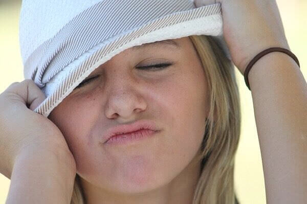 折角したカラーを隠したくない!帽子以外で出来る紫外線対策とは??