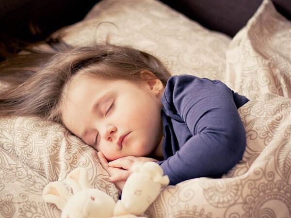 寝返りを打ってるかどうかで身体の疲れは違う?