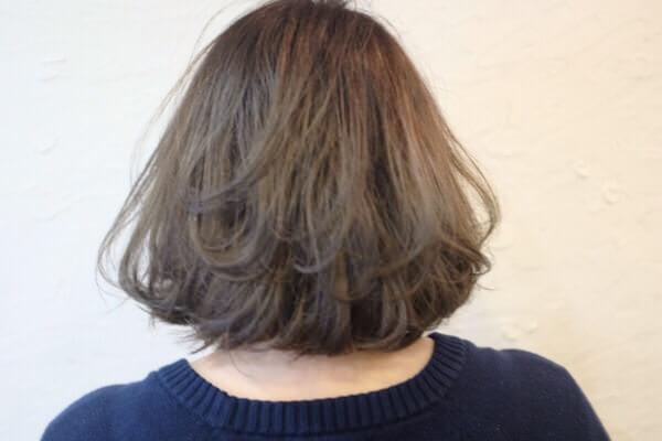 白髪染め世代にはヒカリナスで作るグラデーションカラーがオススメ