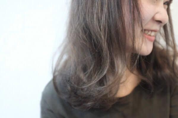 白髪がない30代の細い髪の毛に5月発売の白髪染めのヒカリナスを試してみたら白髪染めとはわからない仕上がりになった!