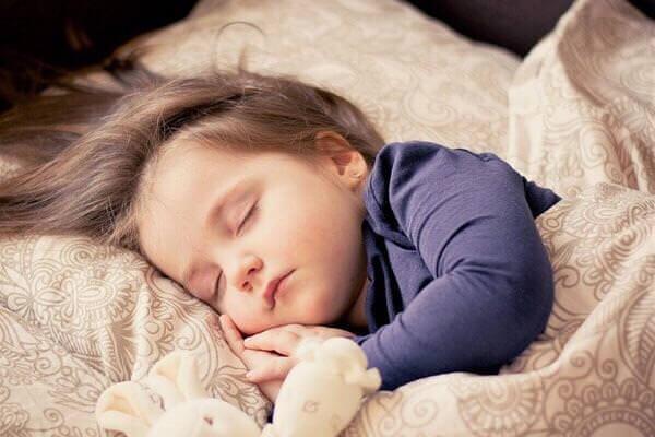 睡眠は髪の毛にも良い!睡眠の質を上げる3つのコツ