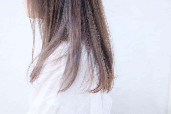 梅雨で広がる髪の毛はカラーでも誤魔化せる!