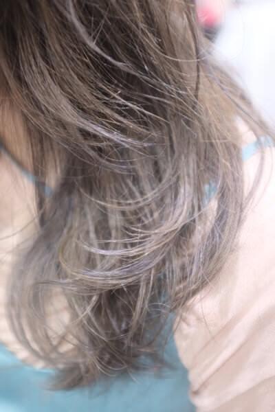 雨の日のコテを使った巻き髮のスタイルを持続させる方法