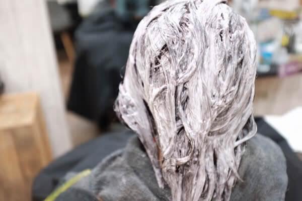 白髪抑制にも毎回のRカラー酵素テクノロジーがおススメ
