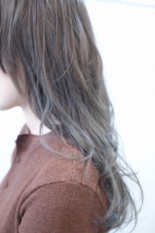 髪の毛を朝晩2回洗うとカラーはどうなる?