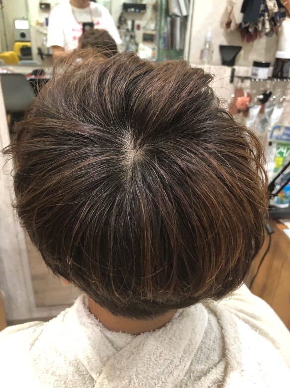 【大阪 今里 美容室】カラーをしない時に試して欲しい白髪を少しボカしたル・ポリサージュを使った艶カットメニュー