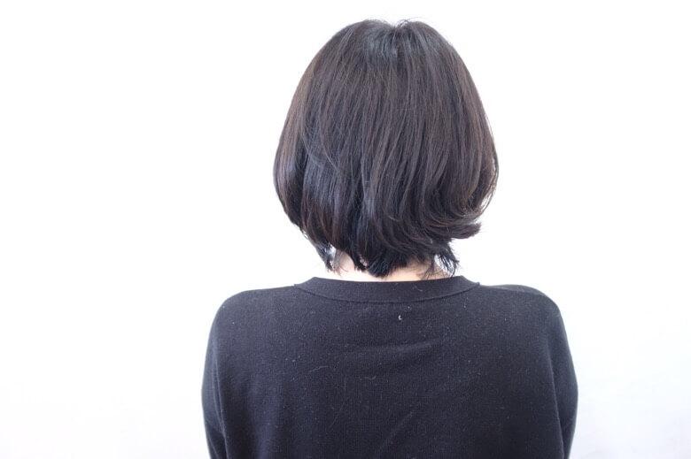 カラーをしながら頭皮ケアをしたい人にはRカラー配合の酵素テクノロジーがオススメ