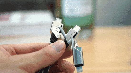 断線しにくい4in1充電ケーブル』TEGIC が便利!