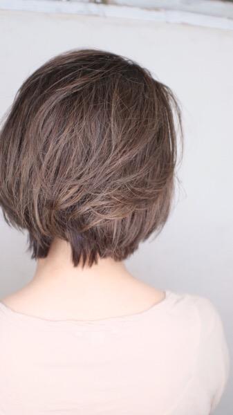 明るい白髪染めはどのくらいの周期で染めたらいい?