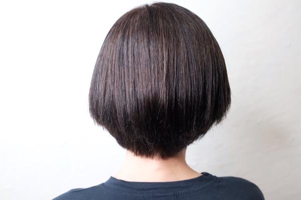 【大阪 今里 梅田茶屋町】大人世代の白髪でくせ毛のお客様にFlowers(フラワーズ)のシャンプーを体験してもらい髪質を変えてみた!