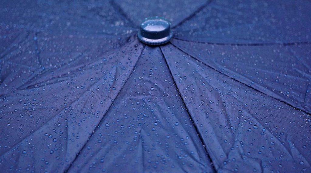 傘の撥水を復活させる方法