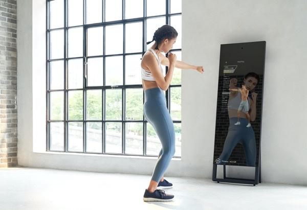 ミラー型自宅トレー二ング用デバイス「Fitness Mirror」が凄そう