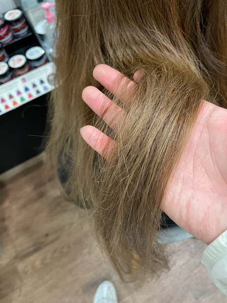 【大阪】ジュエリーシステムトリートメントをカラーの時にすると髪の毛はどうなる?
