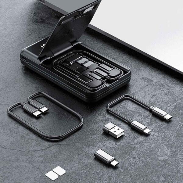 モバイルバッテリーのケーブルを持ち歩かなくて良くなる!?全て収納されたモバイルバッテリーが便利!
