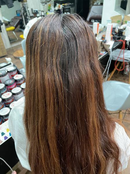 【大阪】ブリーチ経験のある髪の毛に縮毛矯正とカラーをするにはヘアケアが大事