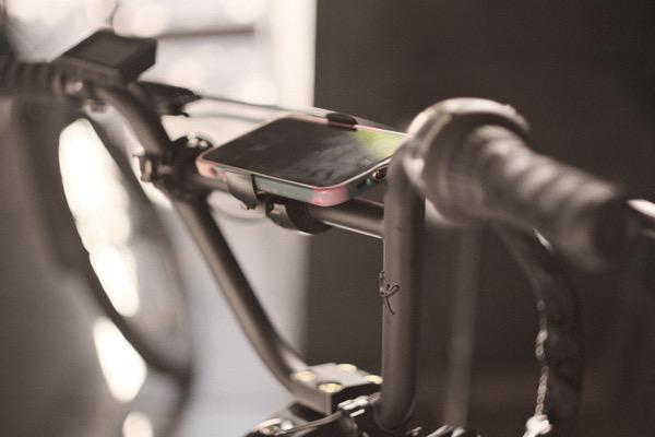 自転車に取り付けられるスマホホルダーLOOP MOUNT(ループマウント)をMATE BIKEにつけてみた